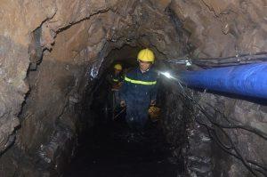 Lắp đặt Ống gió mềm vải trong đường hầm